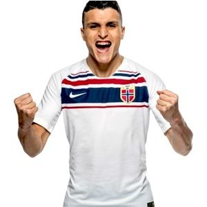 NORWAY 2018 NIKE SOCCER JERSEY NWT